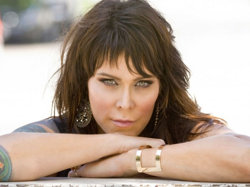 Review: Beth Hart, 'Fire On The Floor'