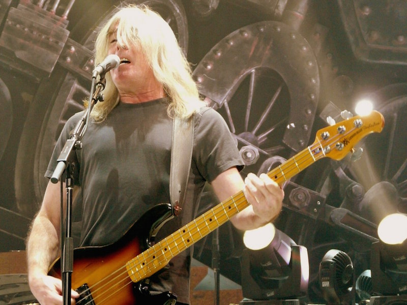 AC/DC bassist Cliff Williams to retire