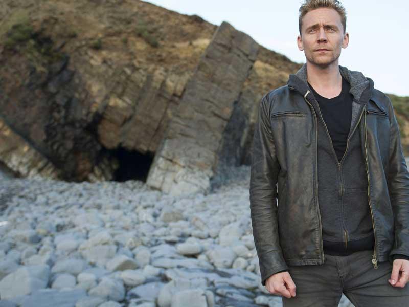 Tom Hiddleston's acceptance speech gets gatecrashed