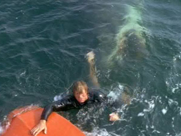 jaws-1-man-in-the-pond-jaws-underwater-1975