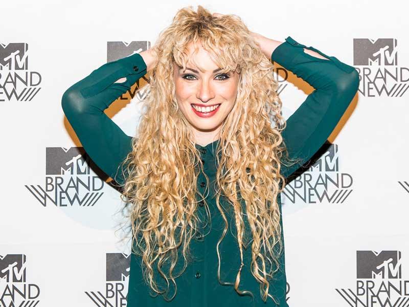 Emmi wins MTV emerging artist prize