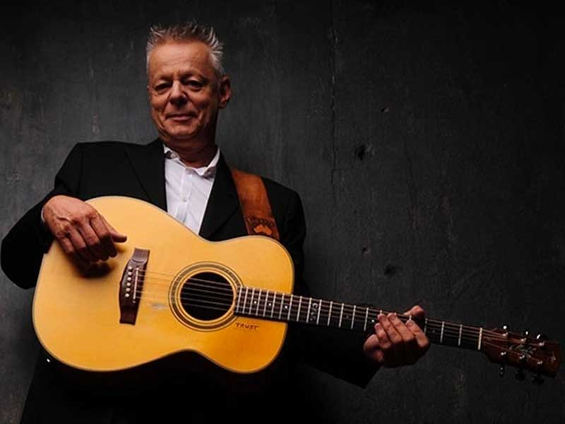 REVIEW: Tommy Emmanuel, 'Christmas Memories'