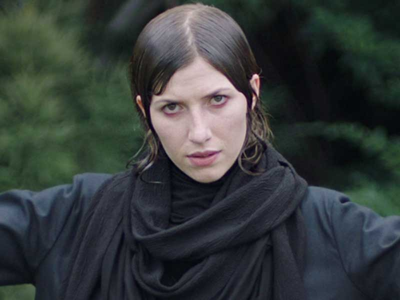 Aldous Harding debuts first song for 4AD