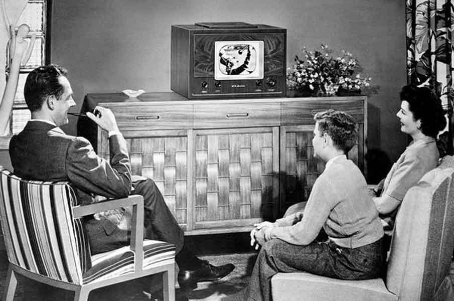 By-the-end-of-the-1950s,-90-per-cent-of-US-homes-had-a-television-set