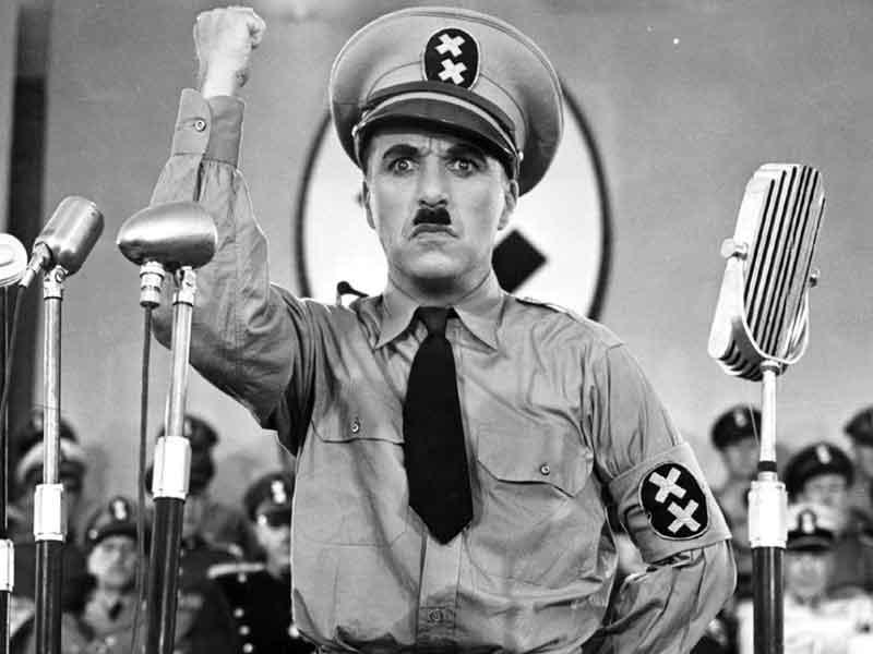 Charlie-Chaplin-as-Adenoid-Hynkel-inThe-Great-Dictator(1940)