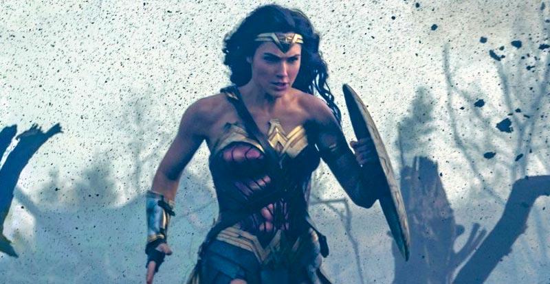 Wonder Woman whips Batman and Superman butt!