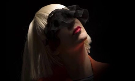 Sia celebrates new deal by getting festive