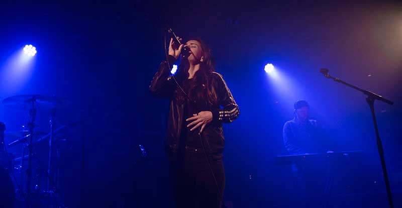 Amy Shark @ The Corner Hotel: photo gallery