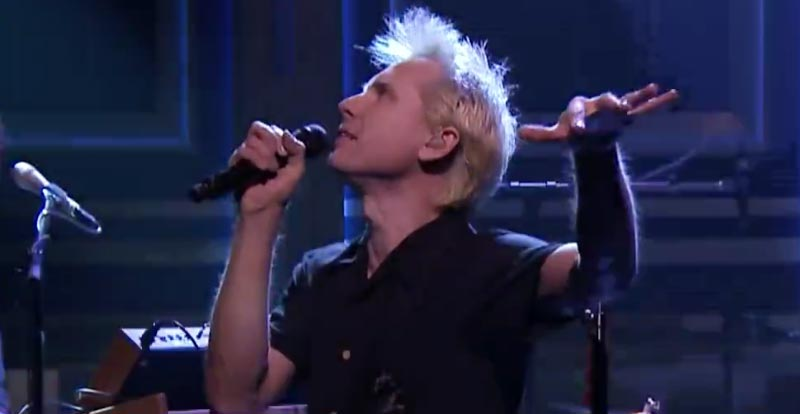 Franz Ferdinand let 'Always Ascending' rip on the Tonight Show