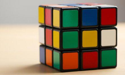Star Wars' 'Cantina Band' – played on Rubik's Cube!