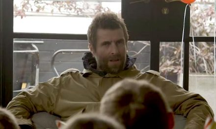 How does Liam Gallagher deal with a roomful of kids?