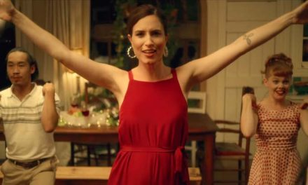 Missy Higgins lets out Futon Couch vid