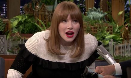 Making dino sounds with Jurassic World's Bryce Dallas Howard
