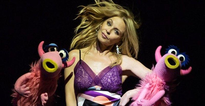 """Kylie does """"Mahna Mahna' with The Muppets"""