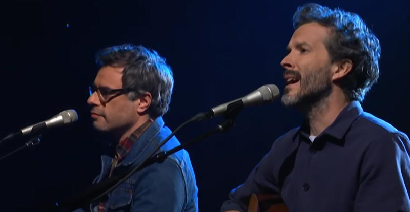 Flight of the Conchords perform new song