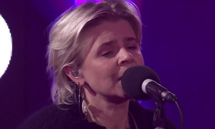 Robyn pops up with 'Last Christmas' cover