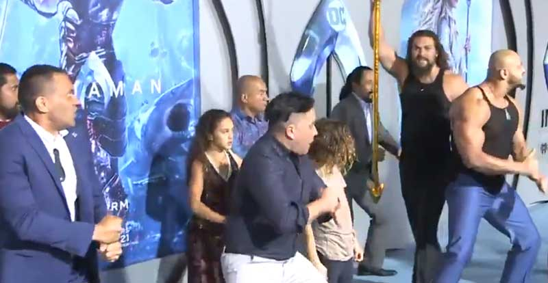 Jason Momoa just performed a haka at the Aquaman premiere