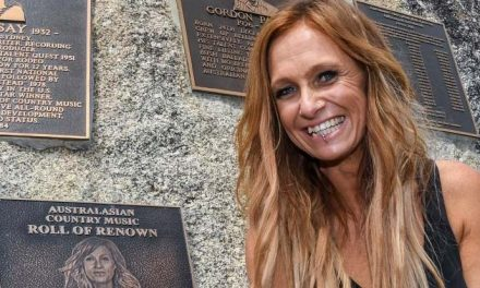 Kasey Chambers celebrates The Captain's 20th