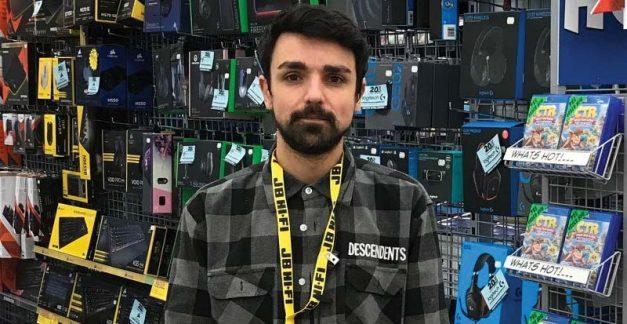 STACK's games Roving Reporter visits Luke at JB Geelong, VIC