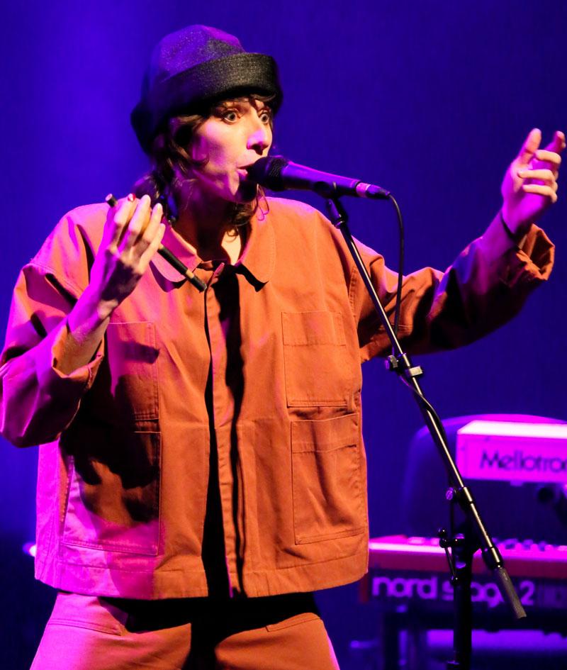 Aldous Harding performing live