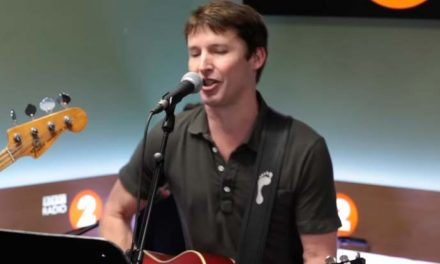 James Blunt does Springsteen in front of royalty