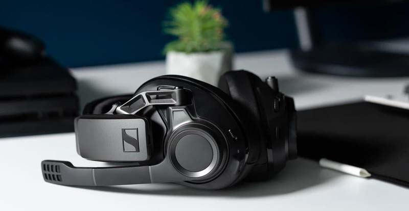 Playing with Sennheiser's GSP 370 and GSP 670 gaming headsets