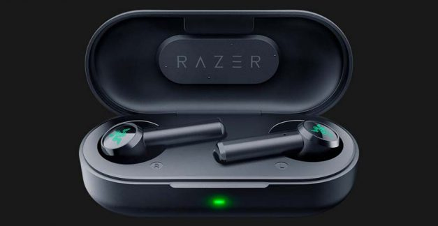 Playing with the Razer Hammerhead True Wireless earbuds