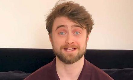 Harry Potter reads Harry Potter!