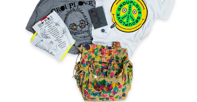 Music stars deface bags for charity!