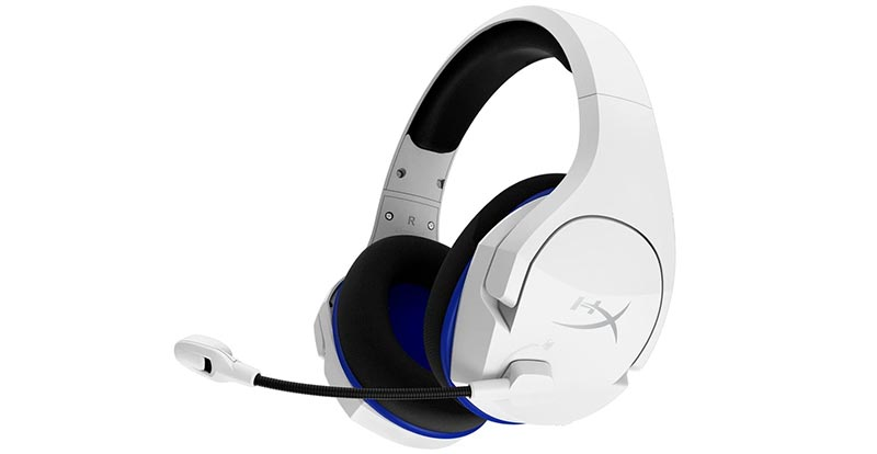 Playing with the HyperX Cloud Stinger Core wireless gaming headset