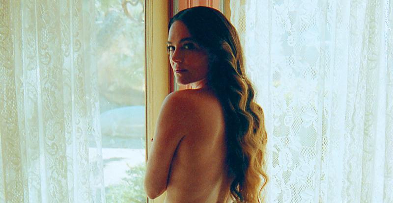 ICYMI, Julia Stone's new clip deserves an Emmy