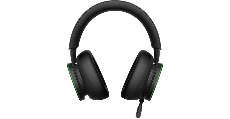 Playing with the Xbox Wireless Headset