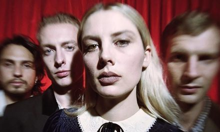 'Smile' as Wolf Alice rock out